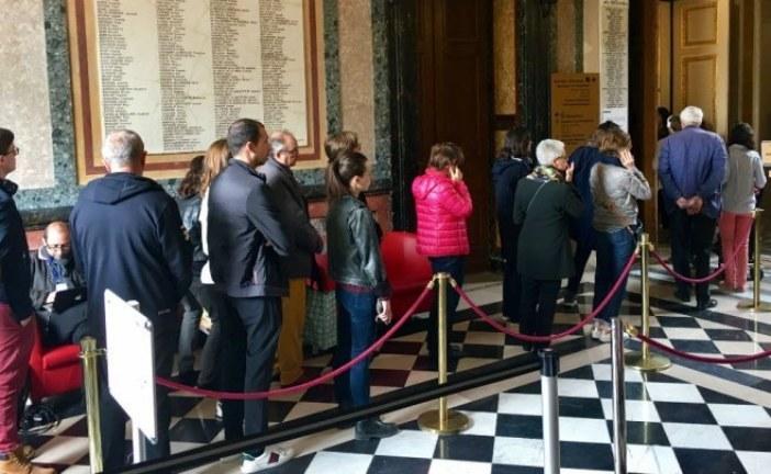 إيمانويل ماكرون ومارين لوبان إلى الدور الثاني في انتخابات الرئاسة بفرنسا