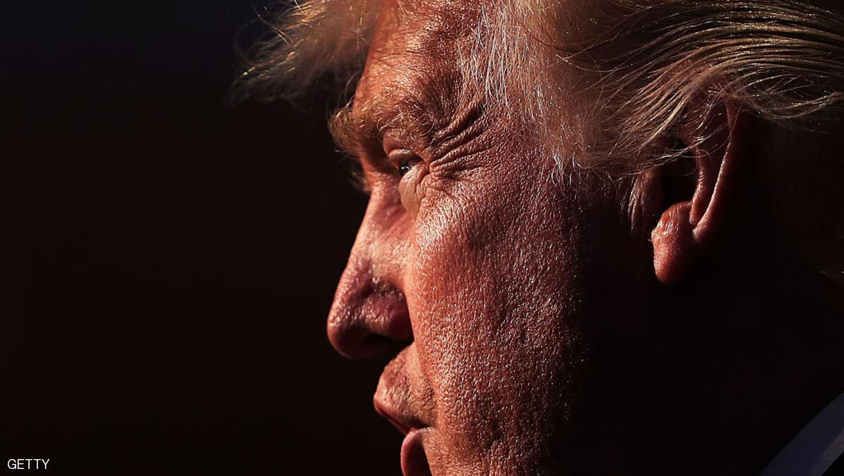 ترامب يأمر بفرض قيود جديدة على برنامج التأشيرات