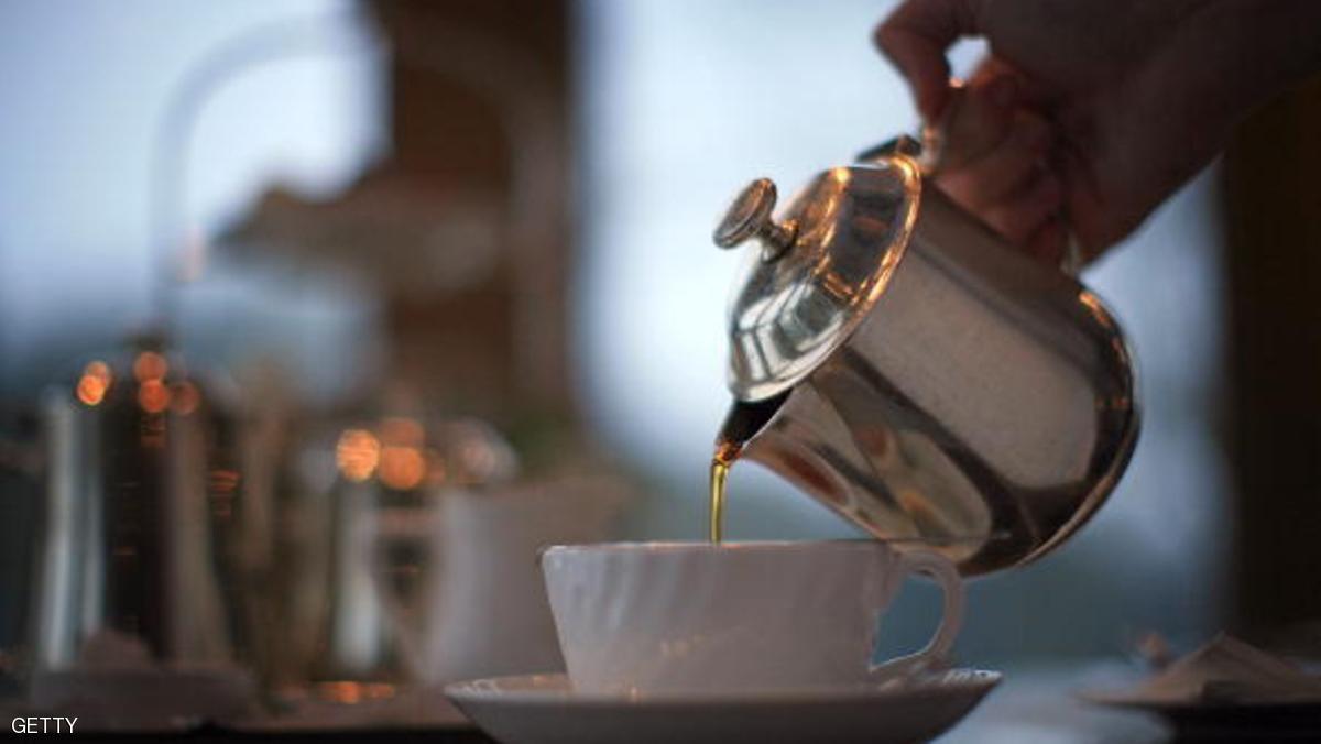 الأطباء يحذرون: لا تتركوا كيس الشاي مدة طويلة في الكوب