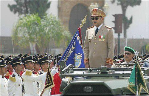 الملك محمد السادس بوجه رسالة للجيش وينوه بأداء الجنود على الحدود