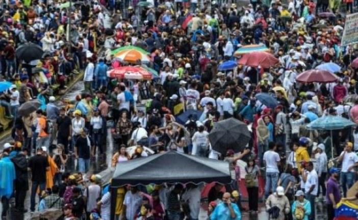 الاحتجاجات بفنزويلا تدخل أسبوعها السابع