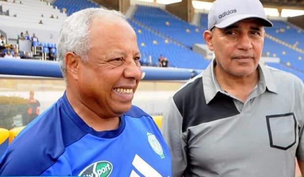 الرجاء البيضاوي يفك ارتباطه بالمدرب محمد فاخر