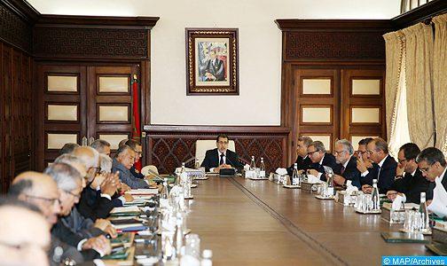 انعقاد مجلس للحكومة الخميس وتعيينات في مناصب عليا فوق الطاولة