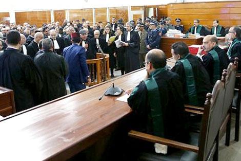 اكديم إزيك..المحكمة تشرع في عرض المحجوزات على المتهمين في الأحداث