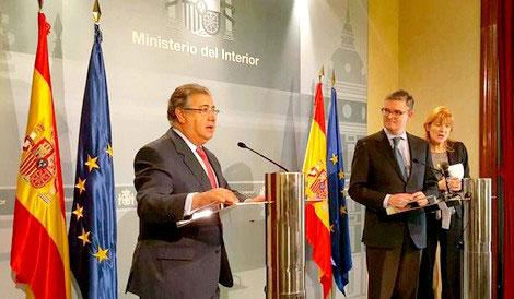 """وزير الداخلية الإسباني يبرز التعاون """"القيم"""" للمغرب في مجال مكافحة الإرهاب"""
