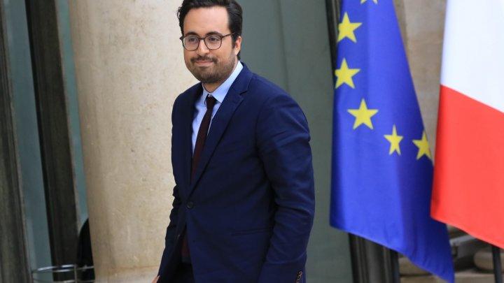 منير محجوبي شاب من أصول مغربية مكلف بالرقميات في الحكومة الفرنسية الجديدة