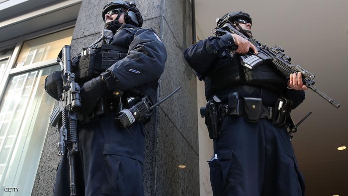 إخلاء مطار أميركي بعد طعن رجل شرطة