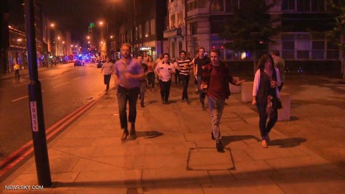 صدم شاحنة لمشاة على جسر لندن بريدج في وسط لندن