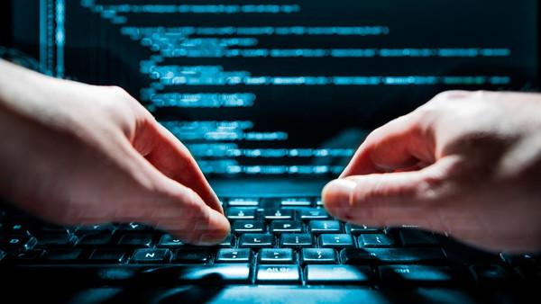 رجال الحموشي يرصدون 22 شبكة للابتزاز الإلكتروني بمدن مختلفة