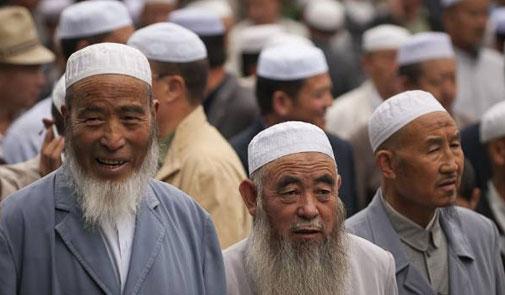 السلطات الصينية تعاقب المسلمين الصائمين خلال شهر رمضان
