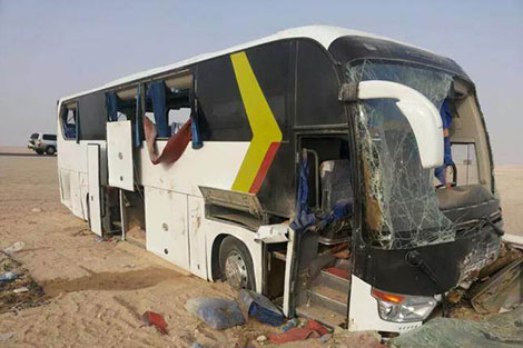 وفاة 5 أشخاص وإصابة آخرين بجروح في اصطدام بين حافلة وشاحنة بالرشيدية