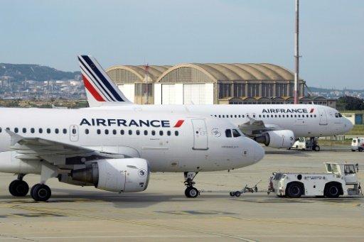 كورونا فيروس: المملكة المغربية تقرر تعليق جميع الرحلات الجوية والنقل البحري للمسافرين من وإلى فرنسا