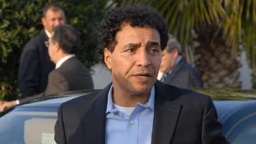 وفاة أسطورة كرة القدم المغربية عبد المجيد الظلمي