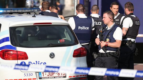 ما الذي تعرفه فرنسا حتى الآن عن الهجوم بسكين في مقر الشرطة بباريس؟