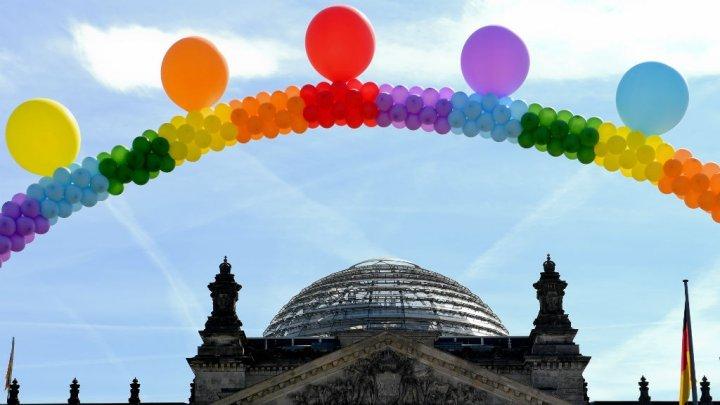 البرلمان الألماني يقر زواج المثليين رغم معارضة أنغيلا ميركل