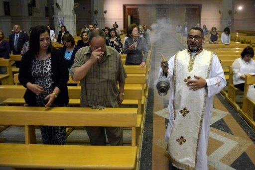 الكنائس المصرية تجمد أنشطتها لغايات أمنية