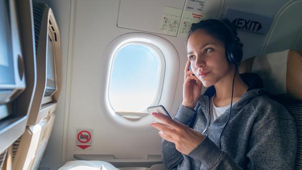 تعرف على أهمية الاستماع إلى الموسيقى أثناء السفر