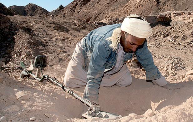 حمى التنقيب عن الذهب تجتاح مناطق الصحراء المغربية