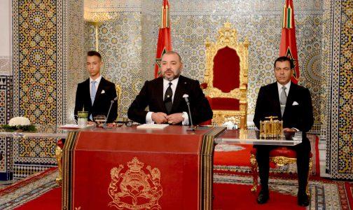 """محمد السادس للسياسيين: """"عندما لا تسير الأمور كما ينبغي يتم الإختباء وراء القصر الملكي"""""""