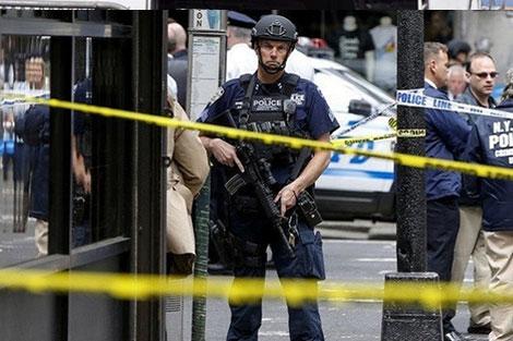 """رئيس بلدية نيويورك يصنف انفجار مانهاتن على أنه """"محاولة اعتداء إرهابي"""""""