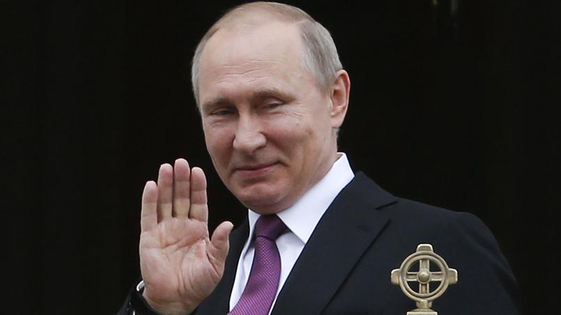 فلاديمير بوتين يأمر 755 دبلوماسيا أمريكيا بمغادرة بلاده
