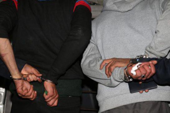 """توقيف 4 أشخاص من عائلة واحدة متهمين بالاتجار في """"القرقوبي"""" والمخدرات"""