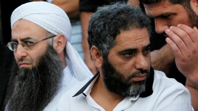 15 سنة سجنا للمغني فضل شاكر بتهم إرهابية
