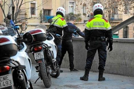 اعتقال مغربي حاول طعن مجموعة من الأشخاص داخل صالة ألعاب بإسبانيا