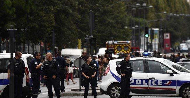 تفاصيل إضافية حول الهجوم على الشرطة بباريس