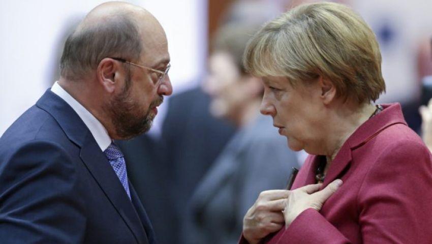 ميركل وشولتز يختتمان حملتيهما الانتخابية في ظل صعود اليمين المتطرف بألمانيا