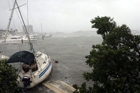 خسائر هائلة لإعصار إيرما وترامب يزور فلوريدا قريبا