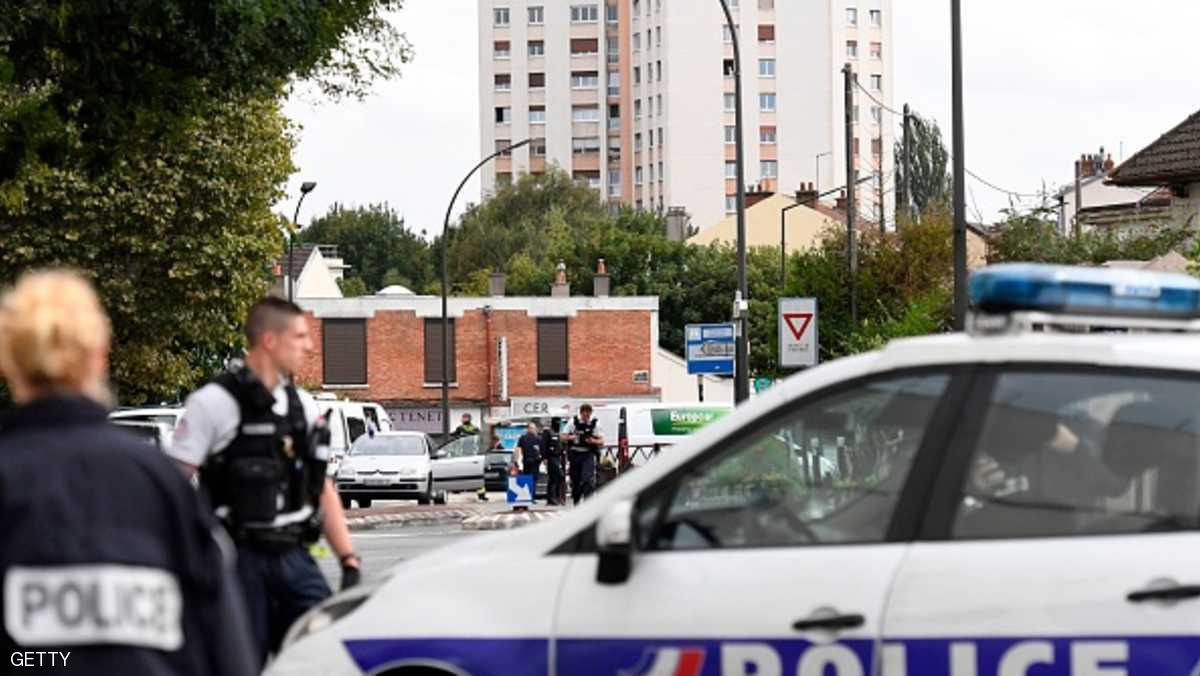 فرنسا تواصل التحقيق بعد العثور بباريس على مواد لصناعة المتفجرات