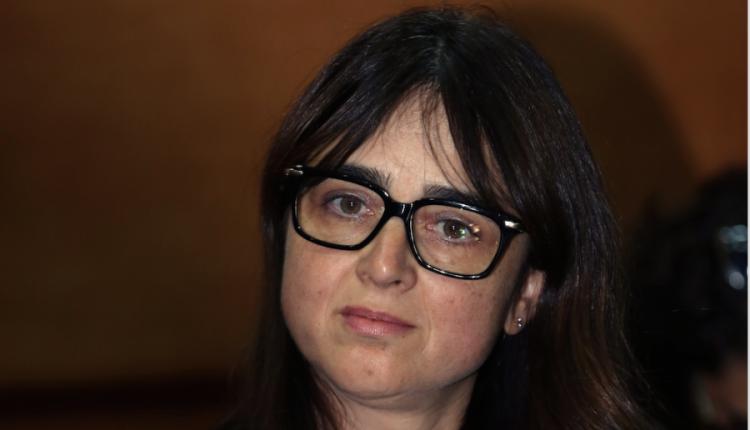 الوزيرة لمياء بوطالب تعترف بوقوعها في المحظور… وتؤكد تجهيز مكتبها ب 250 مليون من المال العام