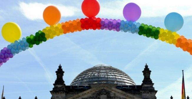 قانون زواج المثليين يدخل حيز التطبيق في ألمانيا