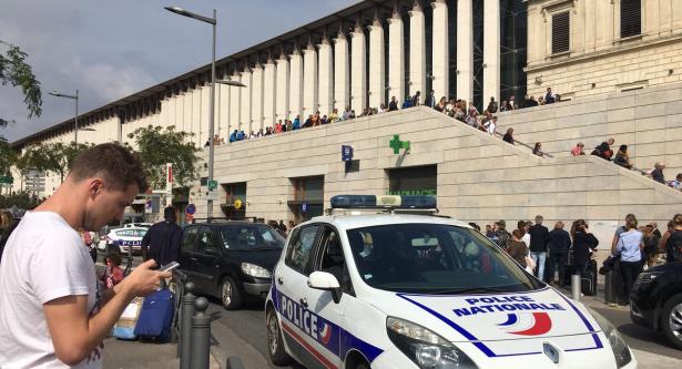 الشرطة الفرنسية تعتقل شخصين على صلة بهجوم مارسيليا