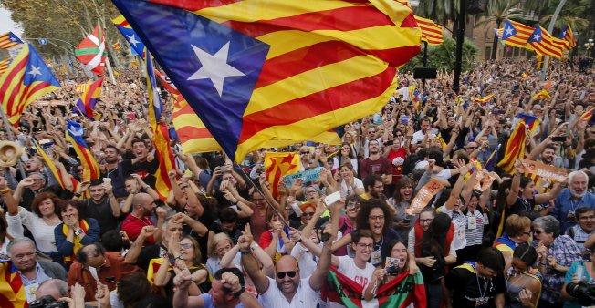 بدء محاكمة تاريخية لقادة كاتالونيا الانفصاليين في مدريد