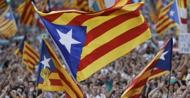 إسبانيا تعيش على وقع يومين فاصلين عنوانهما انفصال كاتالونيا أو تجميد الحكم الذاتي