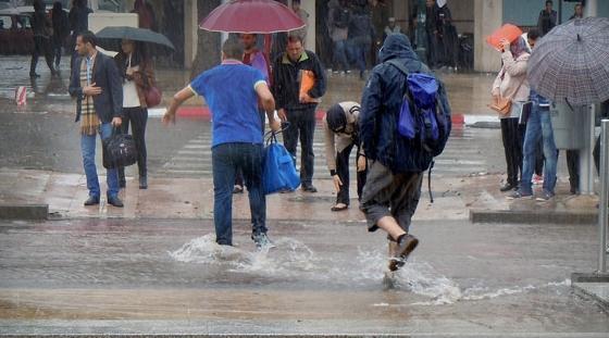 نشرة إنذارية… عواصف رعدية ورياح قوية بعدد من مدن المغرب