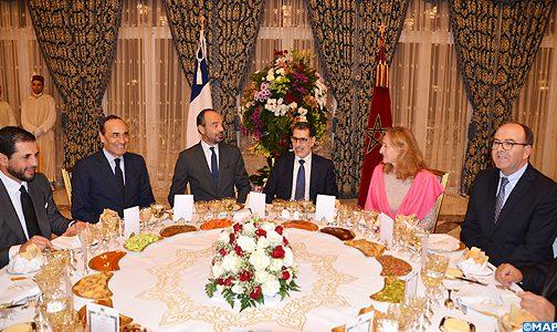 الملك يقيم مأدبة عشاء على شرف الوزير الأول الفرنسي