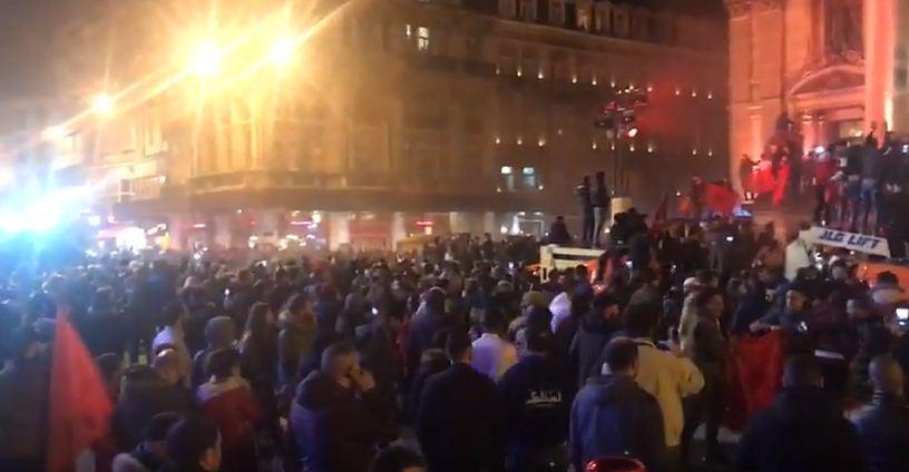 المغاربة يلهبون شوارع بروكسيل البلجيكية بعد تأهل منتخبهم إلى روسيا + فيديو