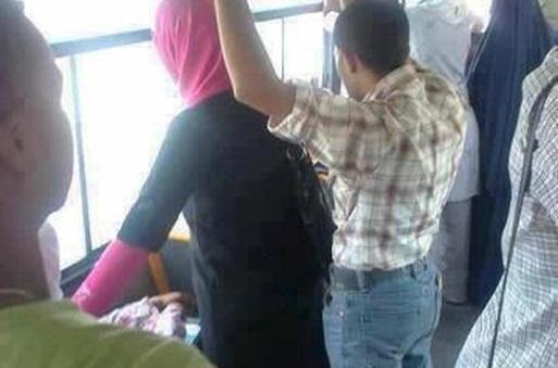 """جمعية مدنية تعلن """"الحرب"""" على التحرش الجنسي داخل الحافلات العمومية"""