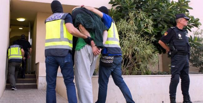 """اعتقال شخص متهم بالتجنيد لفائدة تنظيم """"داعش"""" الإرهابي بمليلية المحتلة"""