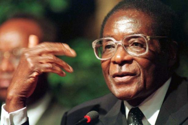 الحزب الحاكم في زيمبابوي يطيح بموغابي ويطالبه بالتنحي عن الرئاسة