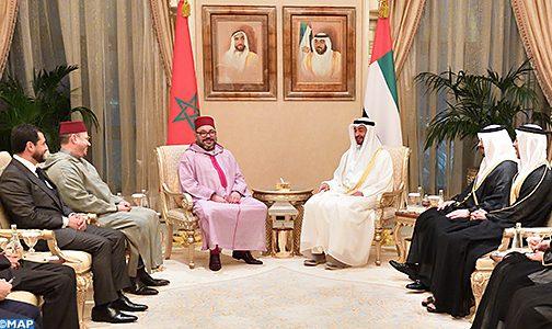 الملك يلتقي في أبو ظبي الشيخ محمد بن زايد آل نهيان في إطار زيارة العمل والصداقة