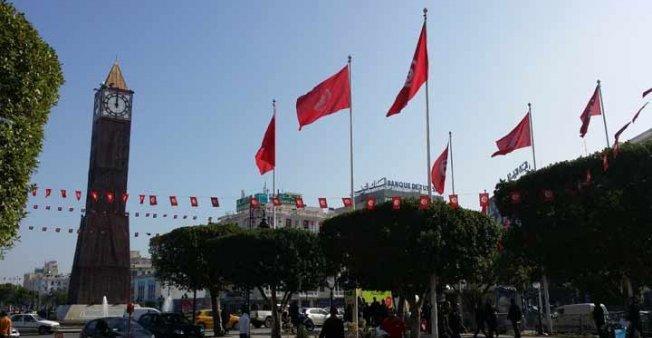 طعن شرطيين بالسكين قرب البرلمان التونسي واعتقال منفذ الهجوم