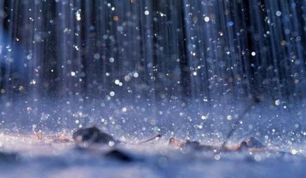 """نشرة إنذارية: """"رياح وأمطار قوية اليوم الثلاثاء وغدا الأربعاء بالمغرب"""""""
