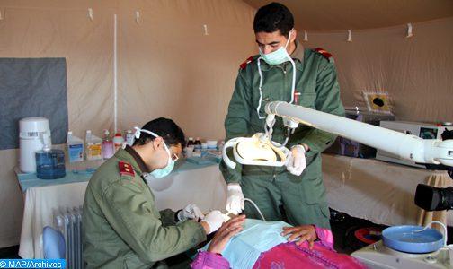 تنفيذا لتعليمات الملك… القوات المسلحة الملكية تتولى إقامة مستشفيين ميدانيين طبيين بشيشاوة وتنغير