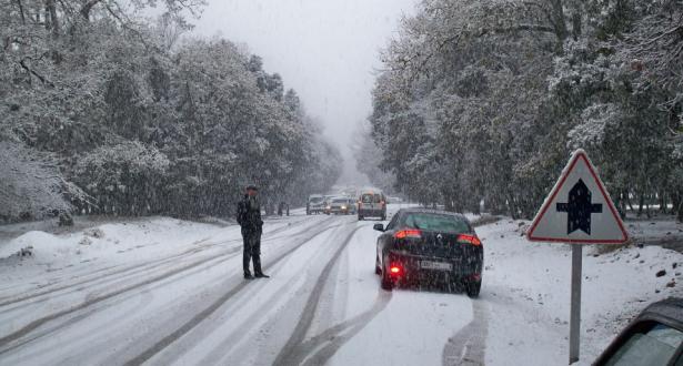 توقعات طقس الاثنين .. تعرف على المناطق التي ستعرف زخات عاصفية وتساقط الثلوج