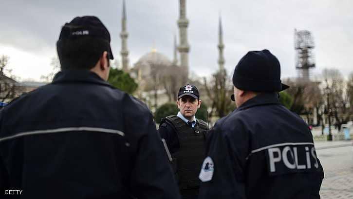 الأمن التركي يسجن قادة أحزاب كردية ويسارية