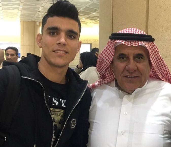 حضور جماهيري كبير لإستقبال بنشرقي في مطار الرياض
